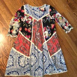 Vanessa Virginia Size 2 patterned dress